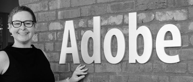 Heike vor dem Adobe-Eingang in San Francisco