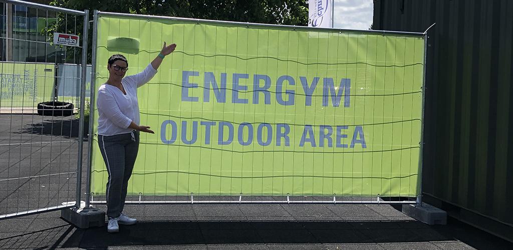 ENERGYM Outdoor Area mit Sichtschutz